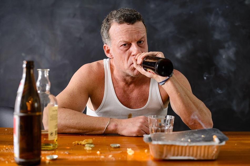 Алкоголь обычно используется для празднования